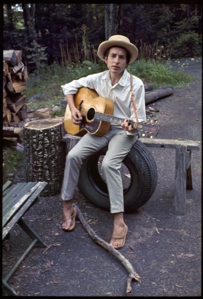 Bob Dylan młodość; mat wytwórni