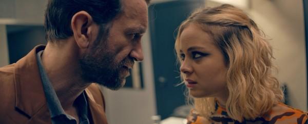 Tomasz Kot i Athena Strates w filmie Wrog doskonaly